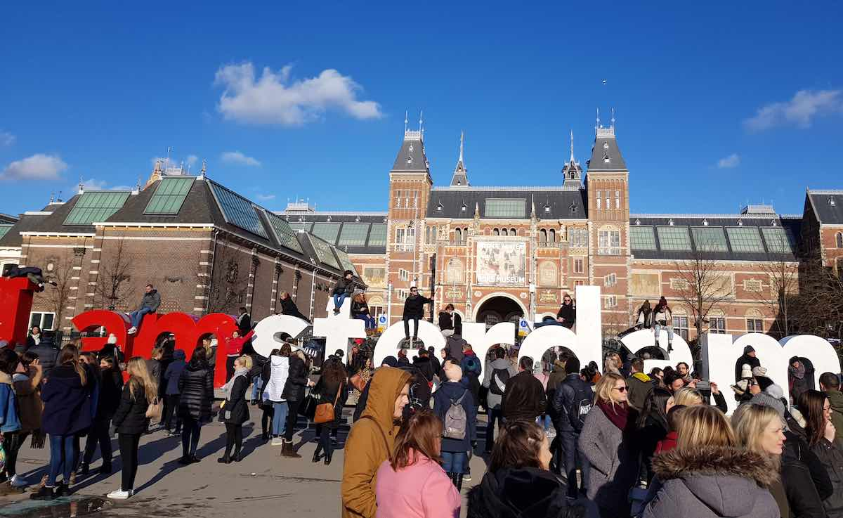 Gewimmel am I-Amsterdam-Zeichen – Foto: Lena Ziehres