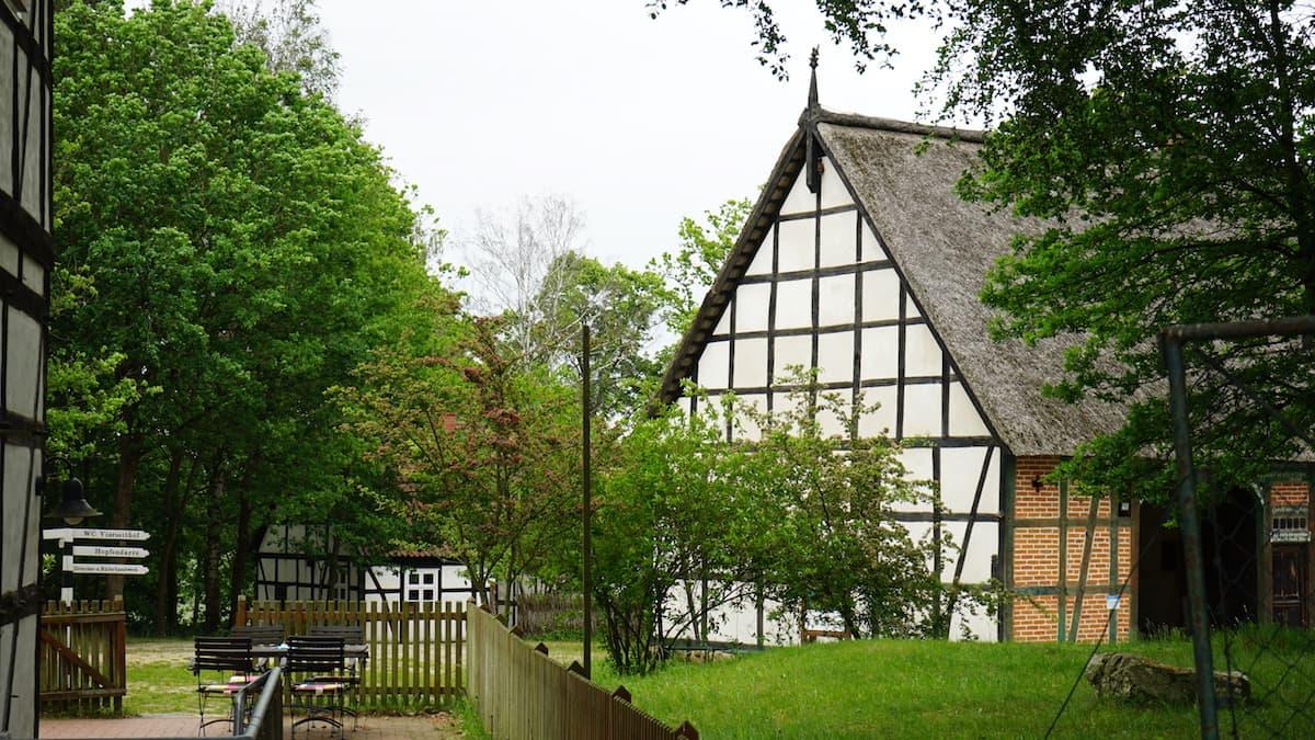 Altmark, Diesdorf: Das älteste Freilichtmuseum Deutschlands thematisiert die Altmark. Foto: Beate Ziehres