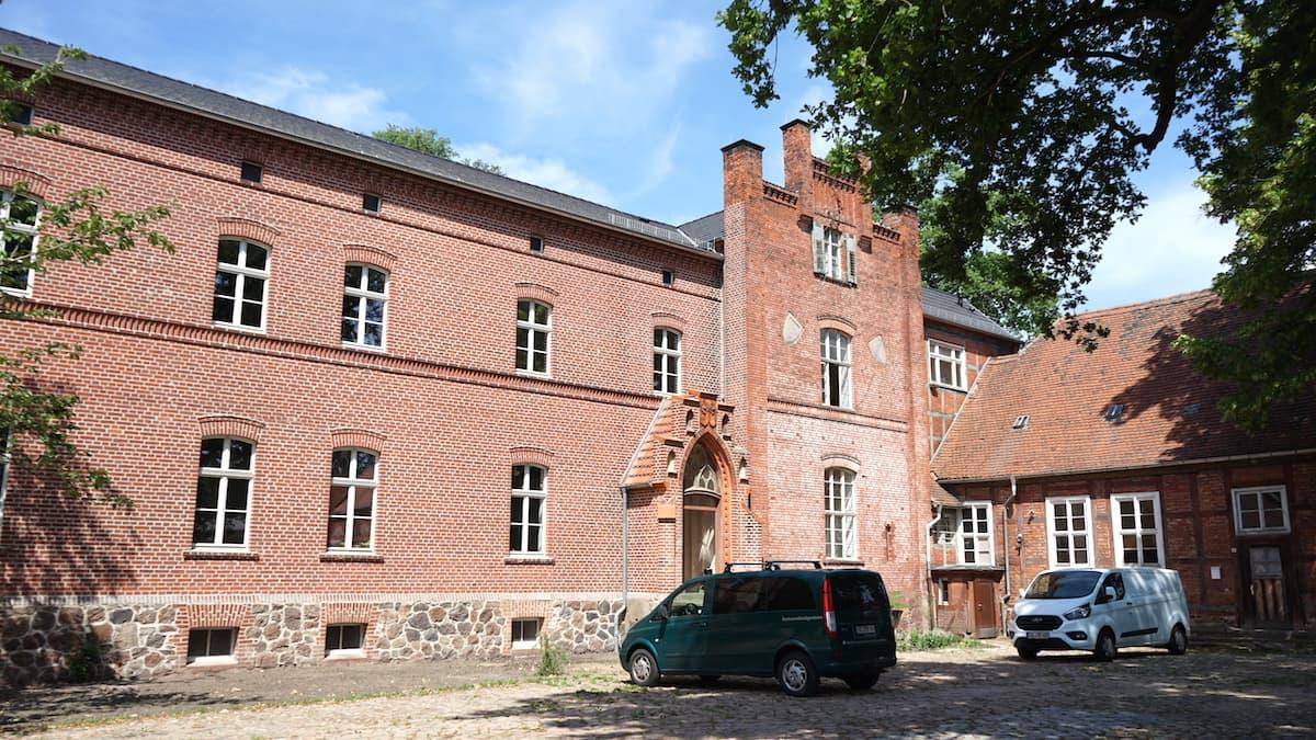 Altmark, Wittenmoor: Das Gutshaus von der Hofseite betrachtet. Foto: Beate Ziehres