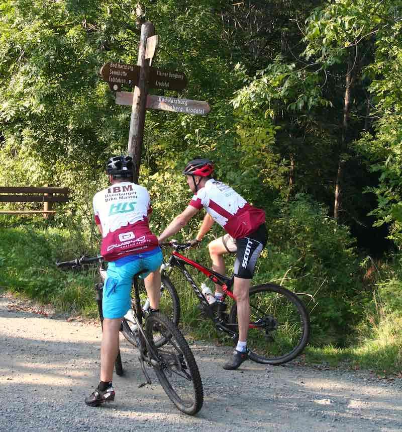 Mountainbiker im Harz bei Bad Harzburg – Foto: Beate Ziehres