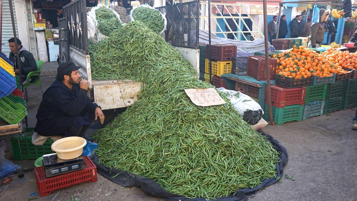 Essen in Tunesien: Reichlich Bohnen auf dem Markt von Tataouine.