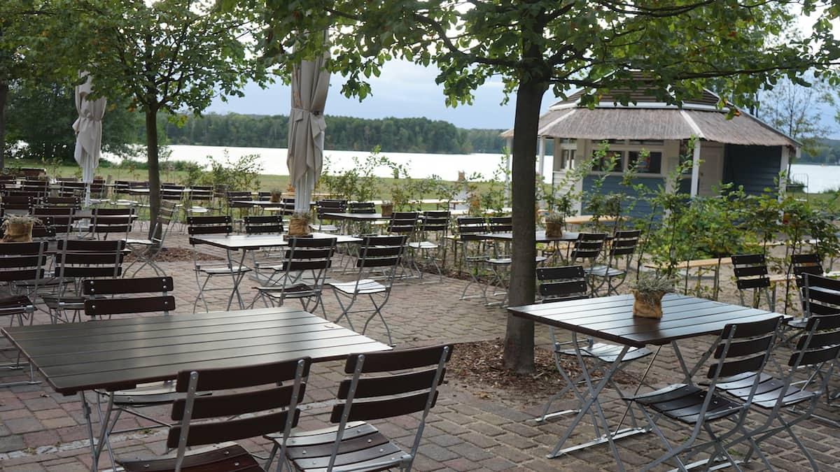 Freilich am See, Bad Saarow, Biergarten. Foto: Beate Ziehres
