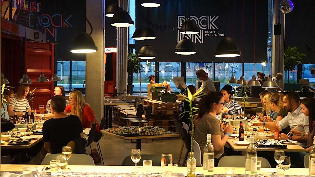 Ho(s)tel-Aufenthalt auf die lockere Art – im Dock Inn in Warnemünde – Foto: Beate Ziehres