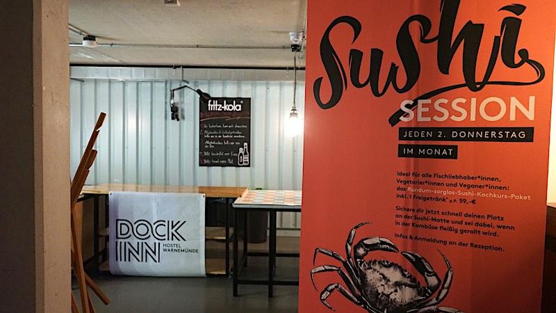 Keine Langeweile: Jeden Monat finden in der großen Gemeinschaftsküche Sushi-Sessions statt – Foto: Beate Ziehres