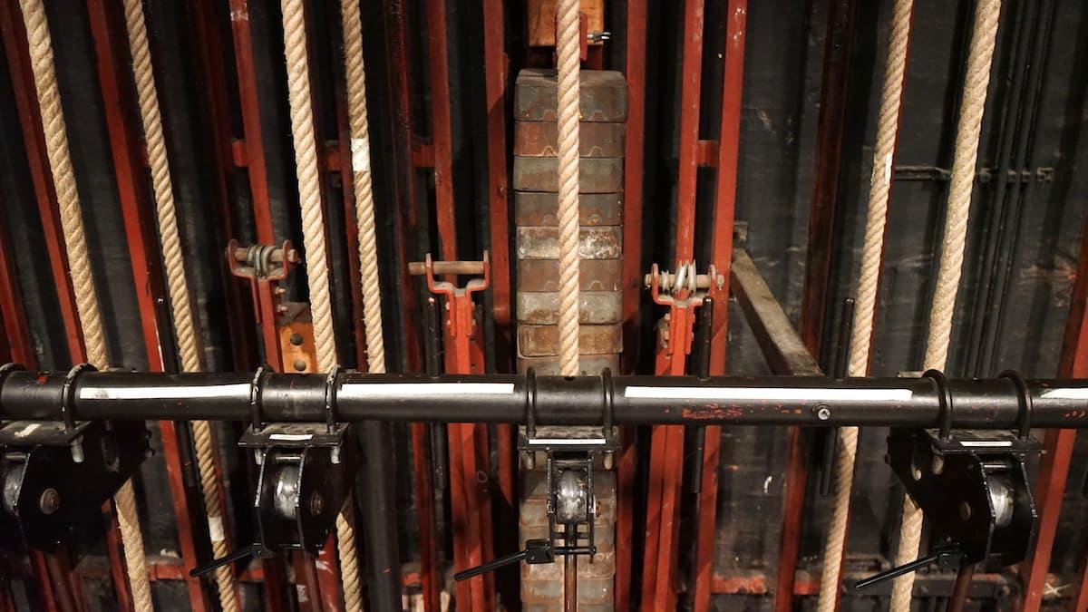 Kulissenzüge im Brunnentheater. Foto: Beate Ziehres