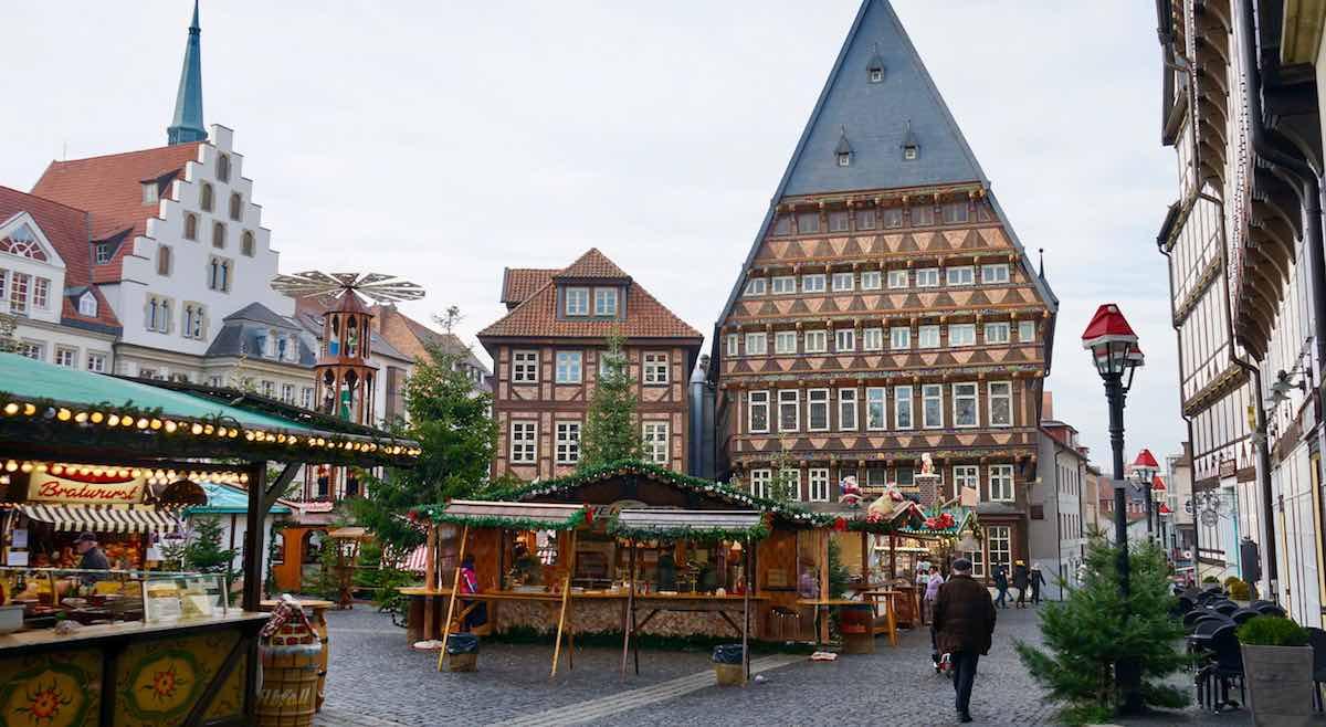 Weihnachtsmarkt auf dem historischen Marktplatz von Hildesheim – Foto: Beate Ziehres