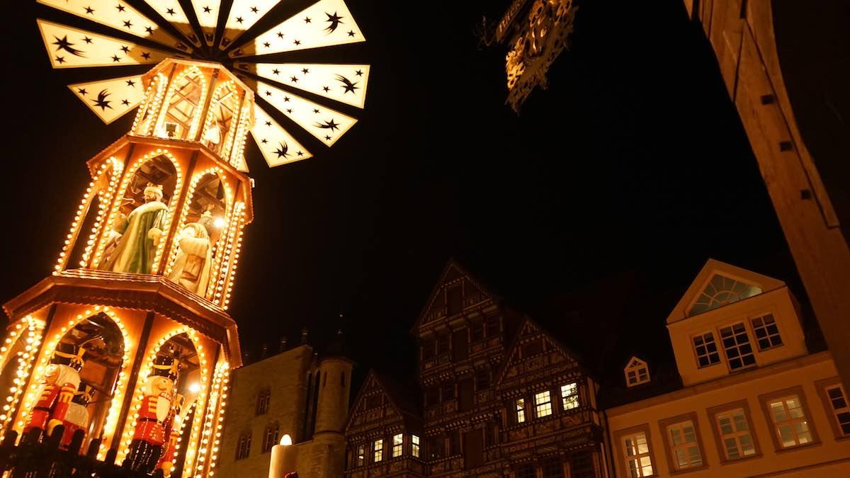 Weihnachtsstimmung auf dem Marktplatz von Hildesheim – Foto: Beate Ziehres
