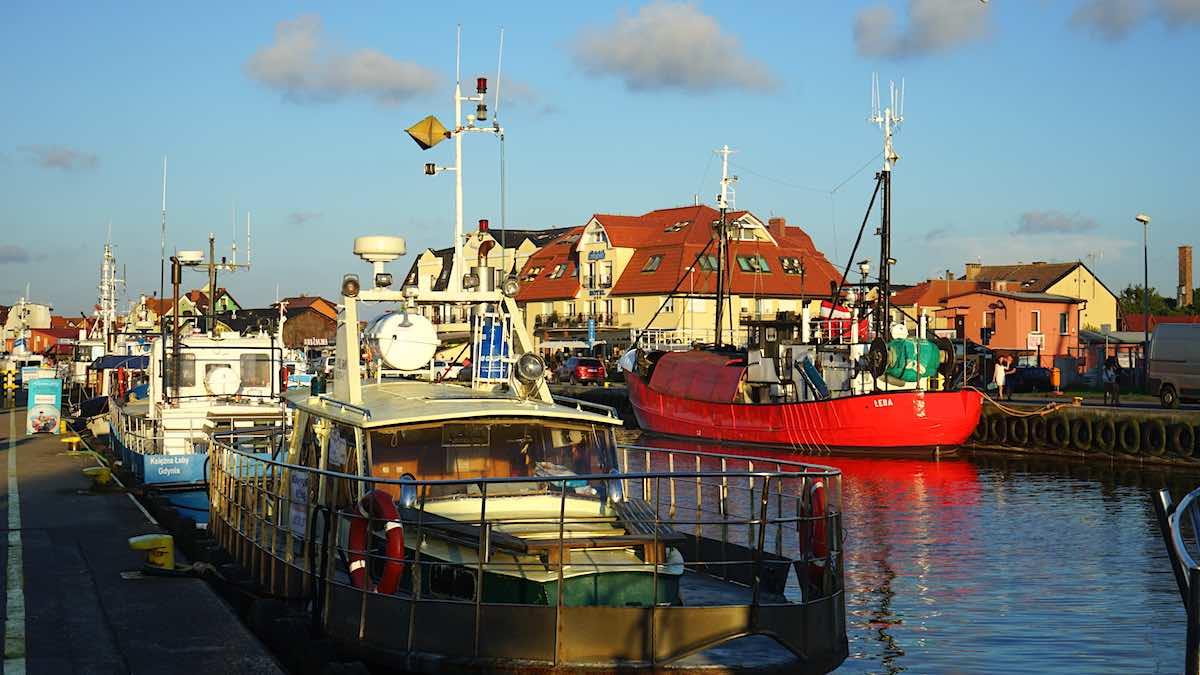 Ein sicherer Hafen an der polnischen Ostsee: Leba im Abendlicht – Foto: Beate Ziehres