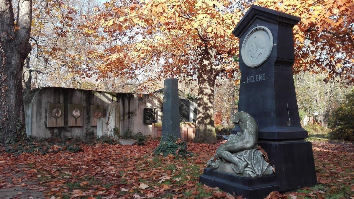 Leipzig, Sachsen: auf dem alten Johannisfriedhof. Foto: Beate Ziehres
