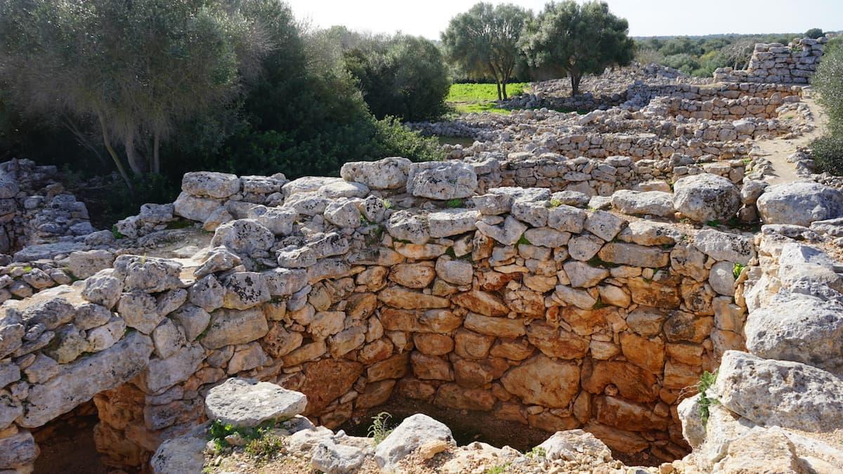 Mallorca: Ausgrabung Capocorb Vell Talaiots. Foto: Beate Ziehres