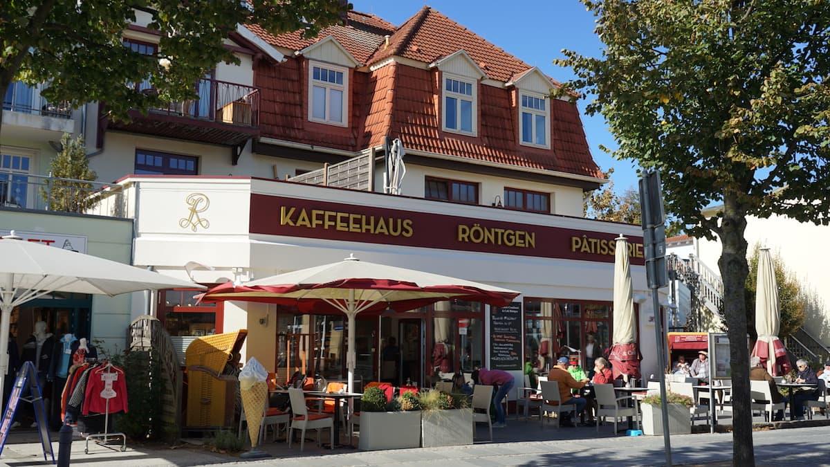 Mecklenburg-Vorpommern barrierefreier Urlaub: Kaffeehaus Röntgen in Kühlungsborn. Foto: Beate Ziehres