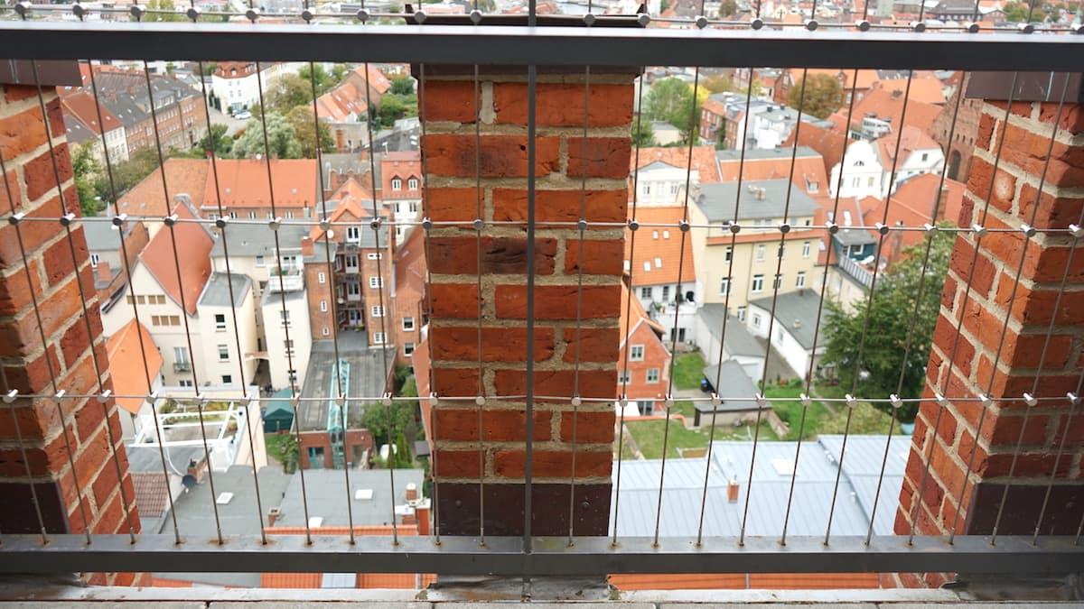 Mecklenburg-Vorpommern barrierefreier Urlaub: Wismar, Aussichtsplattform St. Georgen. Foto: Beate Ziehres