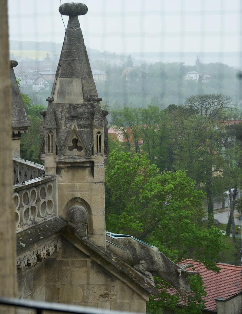 Regen trübt die Aussicht vom Turm in Richtung Westen. Foto: Beate Ziehres, Reiselust-Mag