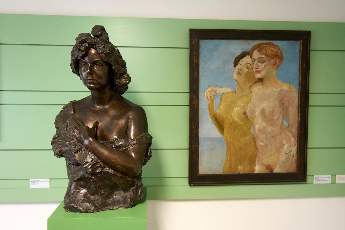Bronzebüste Elsa Asenijeff. Foto: Beate Ziehres, Reiselust-Mag