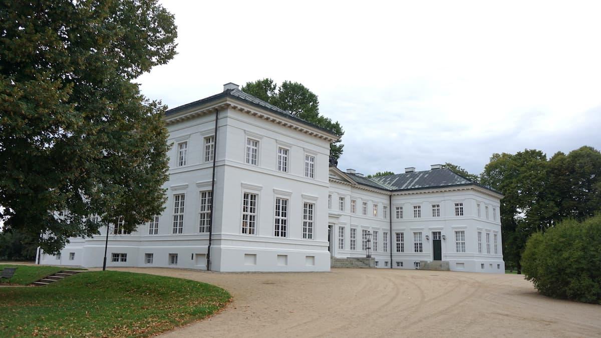 Oberbruch, Neuhardenberg Schloss. Foto: Beate Ziehres