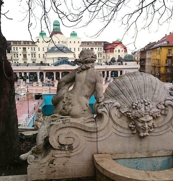 Am Gellért Bad in Budapest – Foto: Lena Ziehres