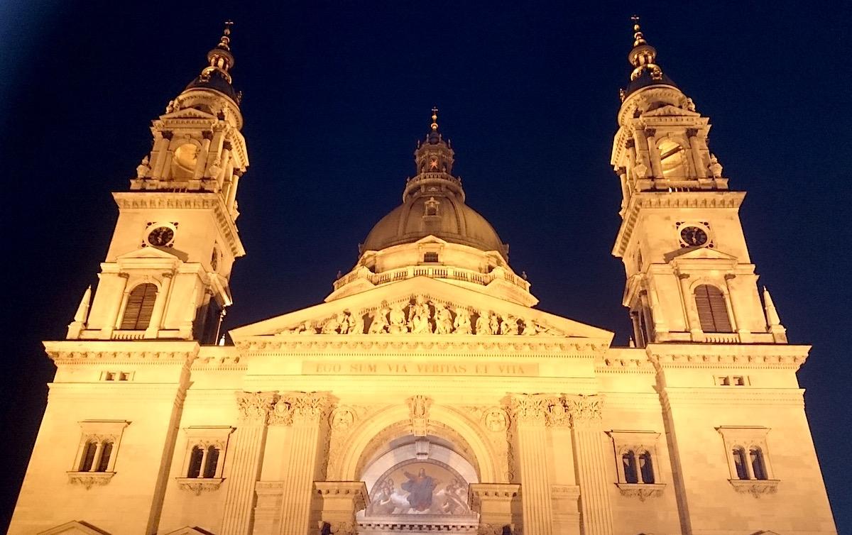 Sehenswürdigkeiten in Budapest: die St.-Stephans-Basilika – Foto: Lena Ziehres