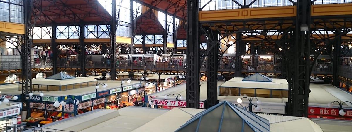 Sehenswürdigkeiten Budapest: Die Markthalle – Foto: Lena ZIehres