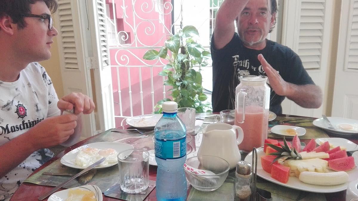 Beim Frühstück in der Casa Floridiana, Havanna – Foto: Beate Ziehres