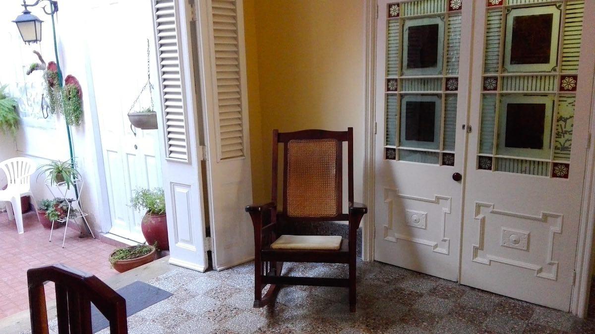 Blick in den Innenhof der Casa Floridiana, Havanna, Kuba. Reiselust-Mag, Beate Ziehres