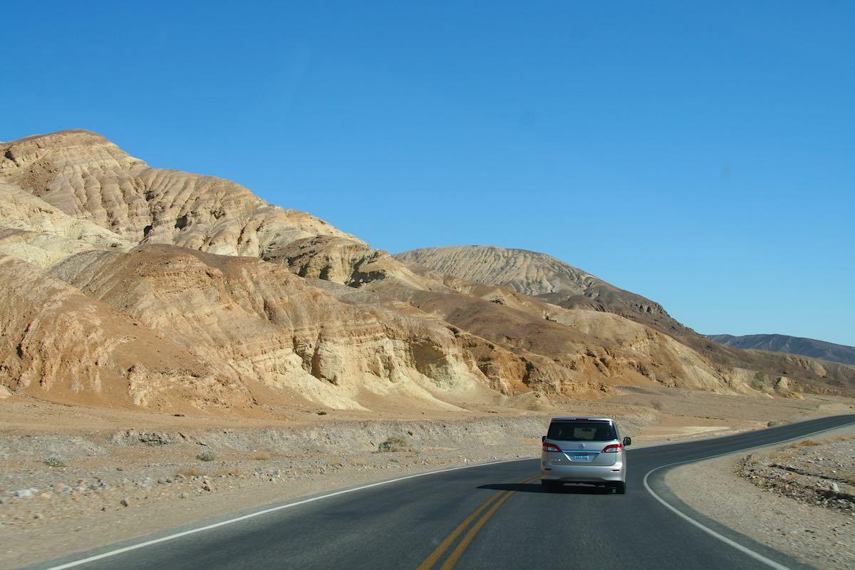 Im Death Valley auf dem Weg nach Süden ... – Foto: Beate Ziehres