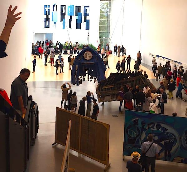 Eindrücke: Blick in die Documenta-Halle – Foto: Petra Bohn