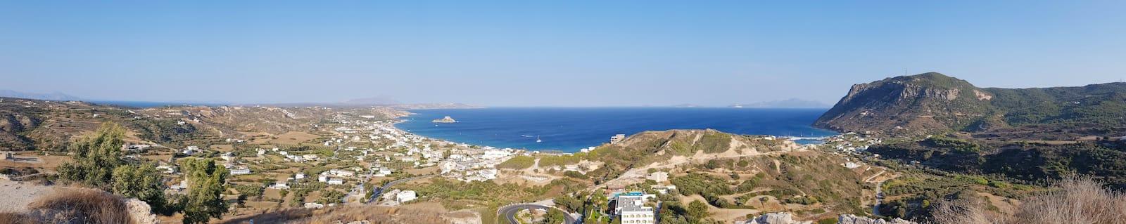 Ausblick von den Hügeln auf Kefalos – Foto: Lena Ziehres