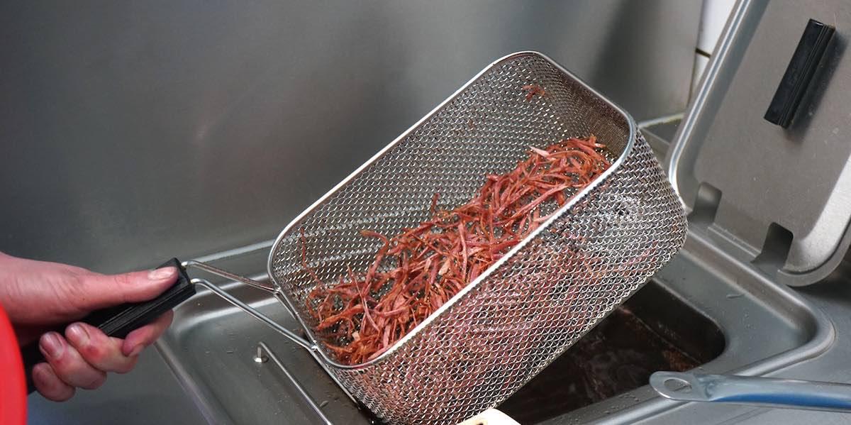 ... und anschließend frittiert – Foto: Beate Ziehres
