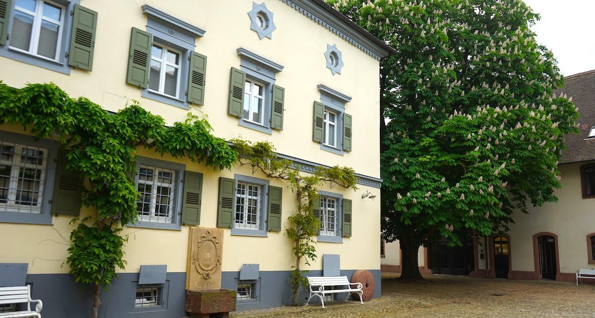 Reiselust-Mag: Im Innenhof des Blankenhorn Palais in Müllheim – Foto: Beate Ziehres