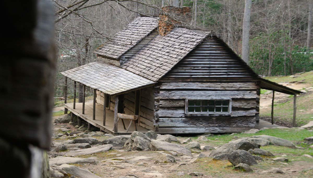 """Tennessee: Das Wohnhaus des Farmers Noah """"Bud"""" Ogle inmitten der Smoky Mountains – Foto: Beate Ziehres"""