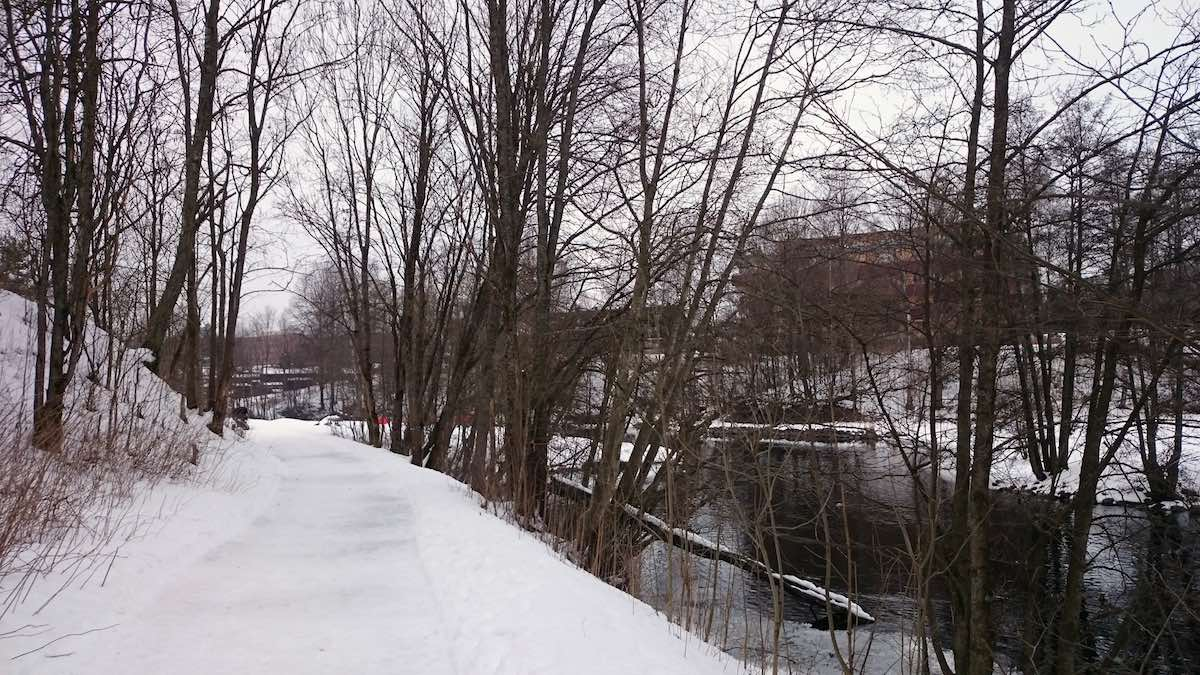 Akerselva bei Kjelsas, hier ein Bild im Winter – Foto: Lena Ziehres