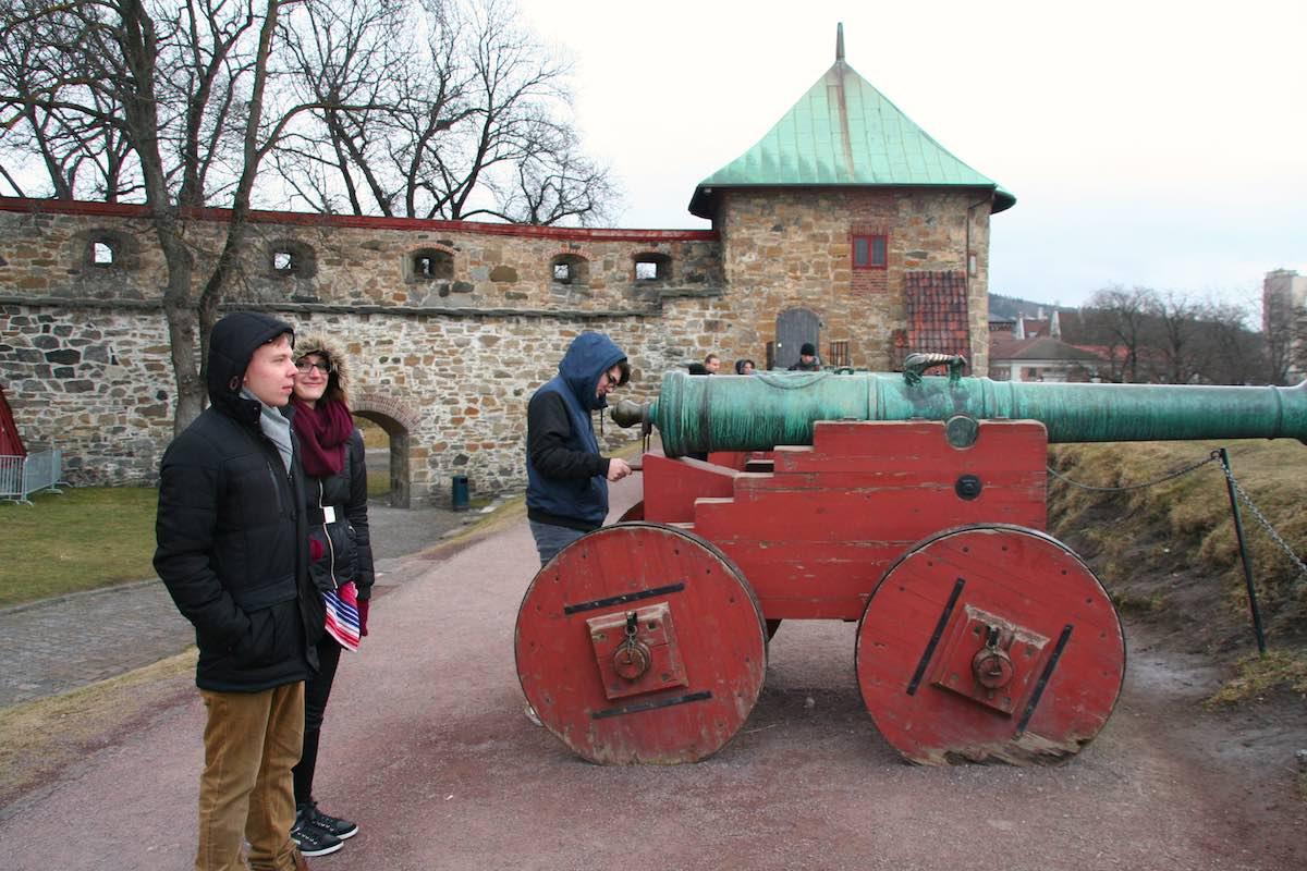 Im Hof der Festung Akershus in Oslo – Foto: Beate Ziehres
