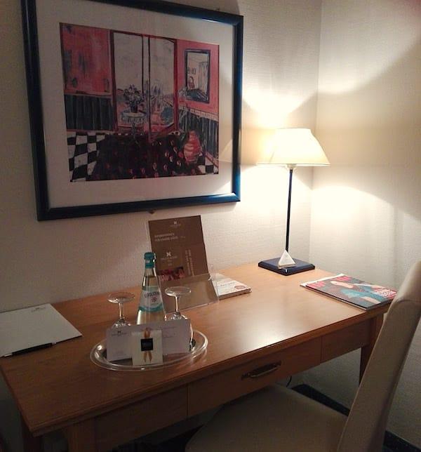 Schreibtisch in unserem Zimmer im Precise Resort Rügen– Foto: Beate
