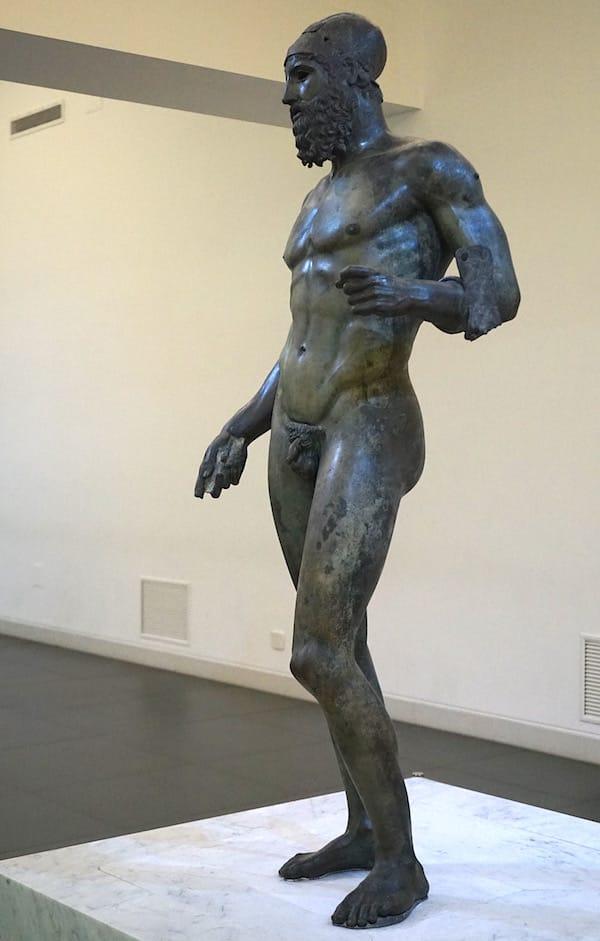 Sommer verlängern in Reggio Calabria: Statue von Riace Krieger 2