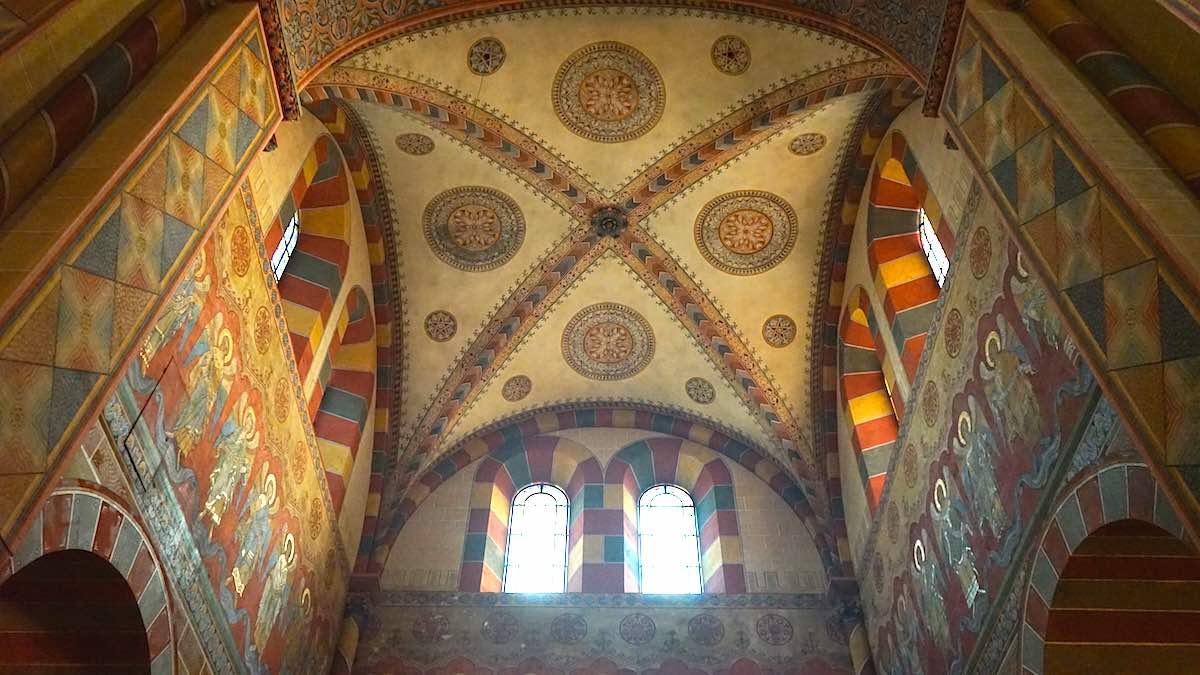 Deckenmalerei im Seitenflügel des Kaiserdoms, Königslutter – Foto: Beate Ziehre