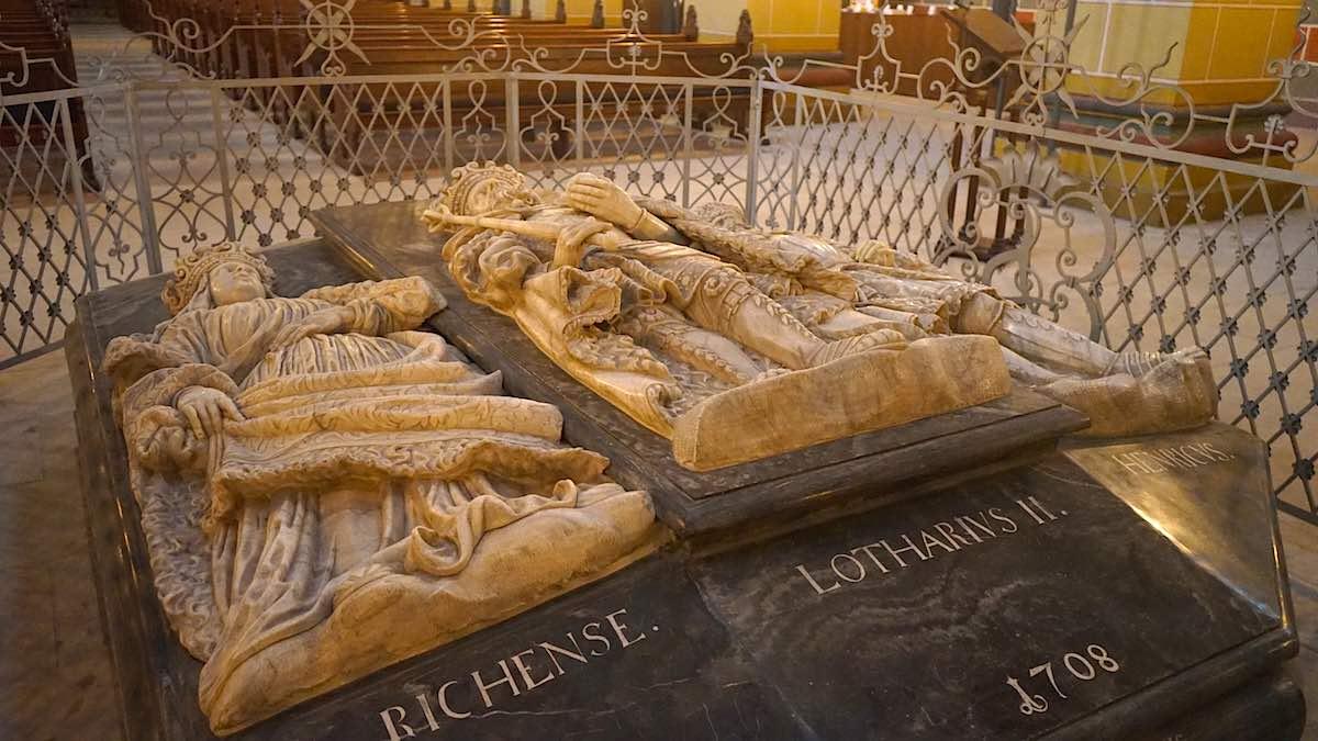 Die Gräber von Lothar III und Richenza im Kaiserdom Königslutter – Foto: Beate Ziehres