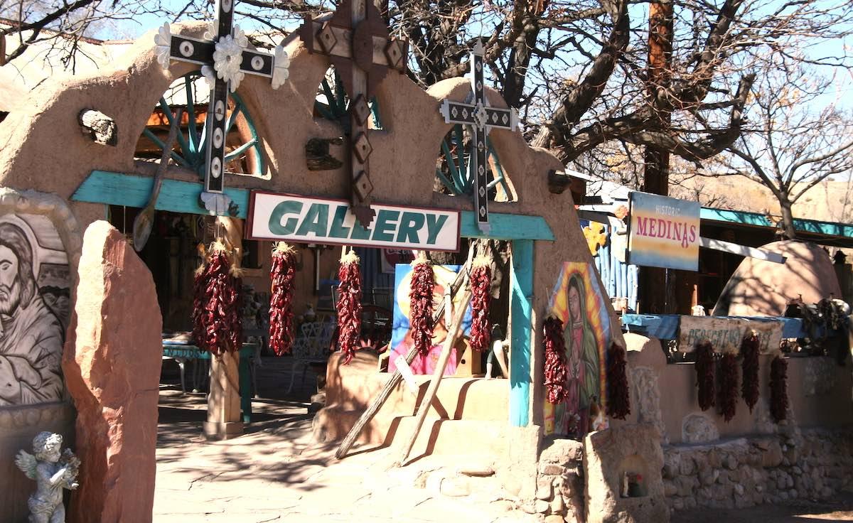 Und auch nebenan wird reichlich Chili angeboten: typisch New Mexico – Foto: Beate Ziehres