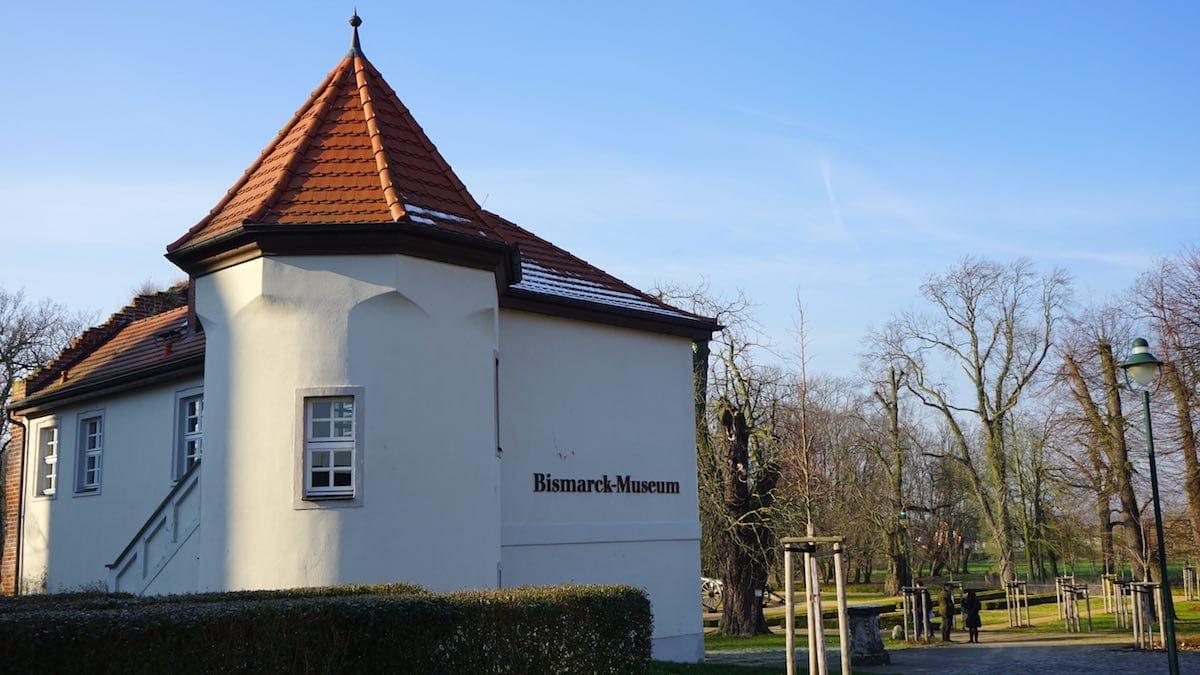 Schönhausen, Altmark: Bismarck-Museum im Torhaus von Schloss Schönhausen I. Foto: Beate Ziehres