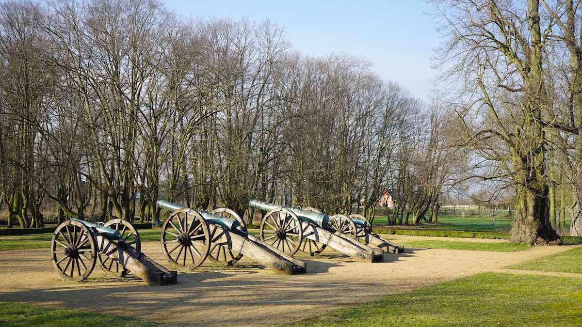 Die Kanonen im Bismarckpark in Schönhausen – Foto: Beate Ziehres