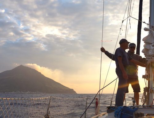 Nacht am Stromboli – Höhepunkt eines Segeltörns