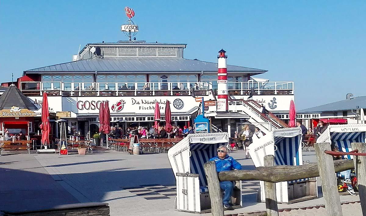 Tagesausflug Sylt. Letzte Sonnenstrahlen genießen am Lister Hafen – Foto: Beate Ziehres