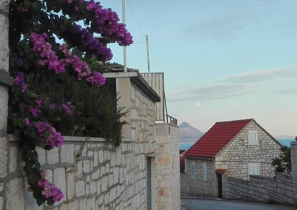 Abendstimmung in Selca – Foto: Beate Ziehres