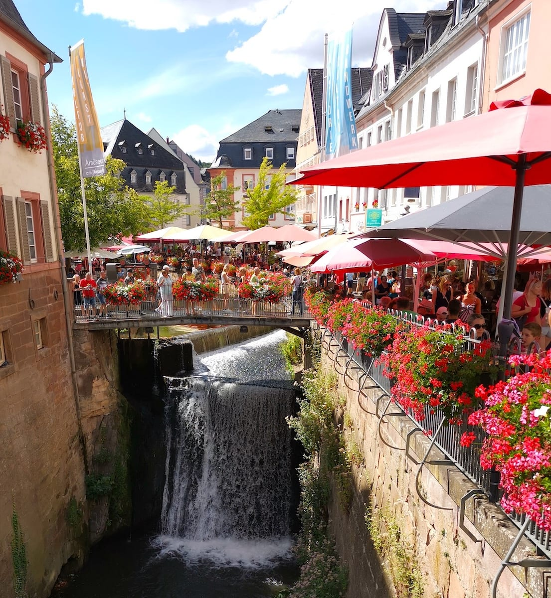 Saarburg: Wasserfall im Ortskern. Foto: Beate Ziehres / Reiselust-Mag
