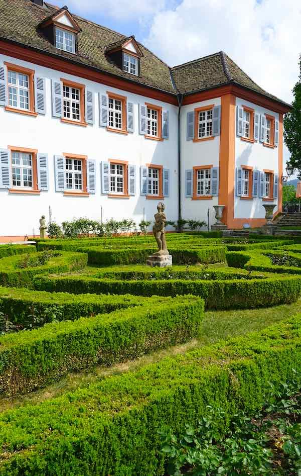 Der Barockgarten von Schloss Bürgeln – Foto: Beate Ziehres