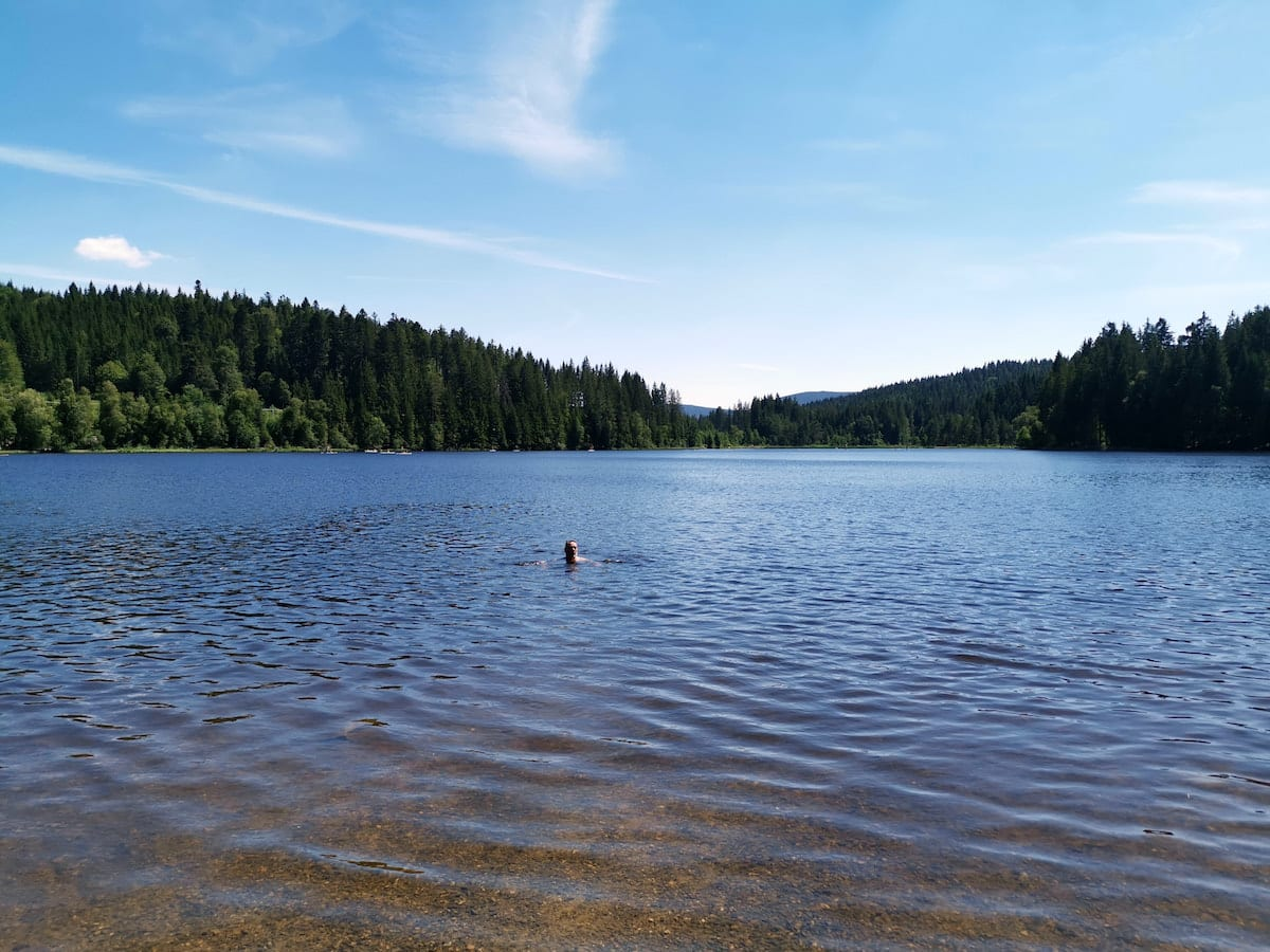 Badeseen im Schwarzwald - Windgfällweiher. Foto: Beate Ziehres, Reiselust-Mag
