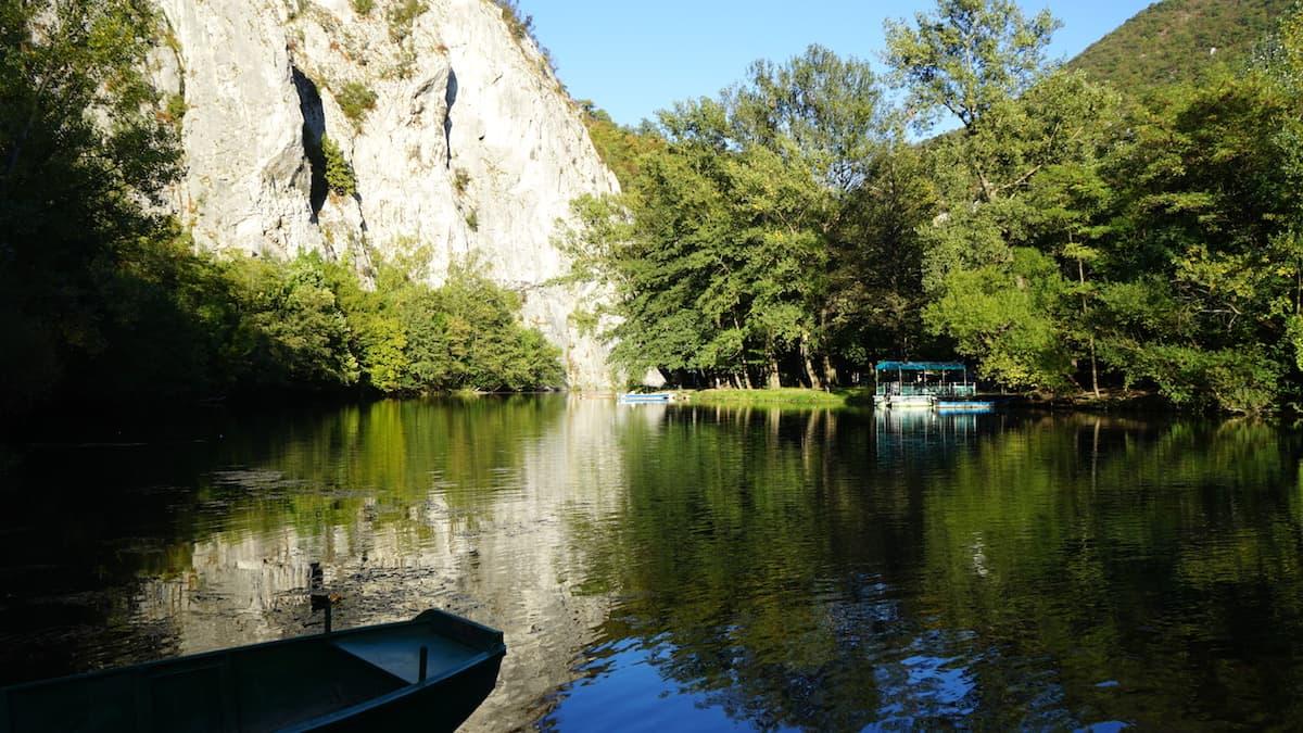 Serbien: Bootsfahrt in der Ovcar-Kablar Schlucht. Foto: Beate Ziehres