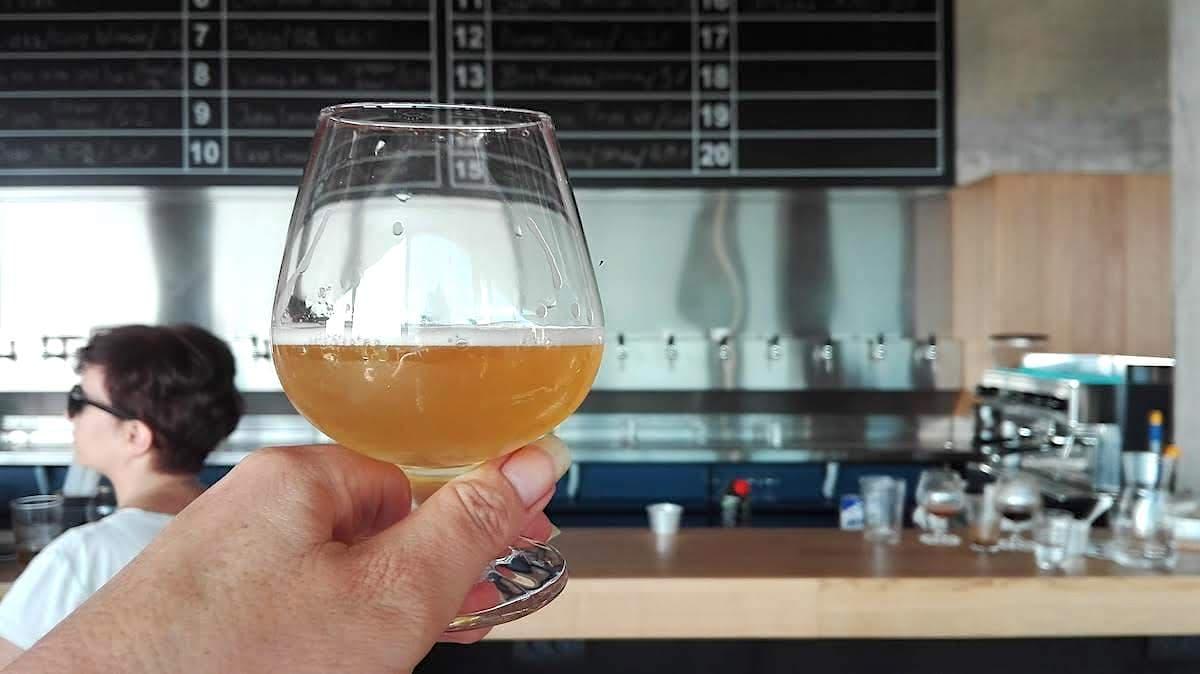 Typisch serbisch: Kabinet Craftbeer Brauerei bei Sopot, Serbien. Foto: Beate Ziehres