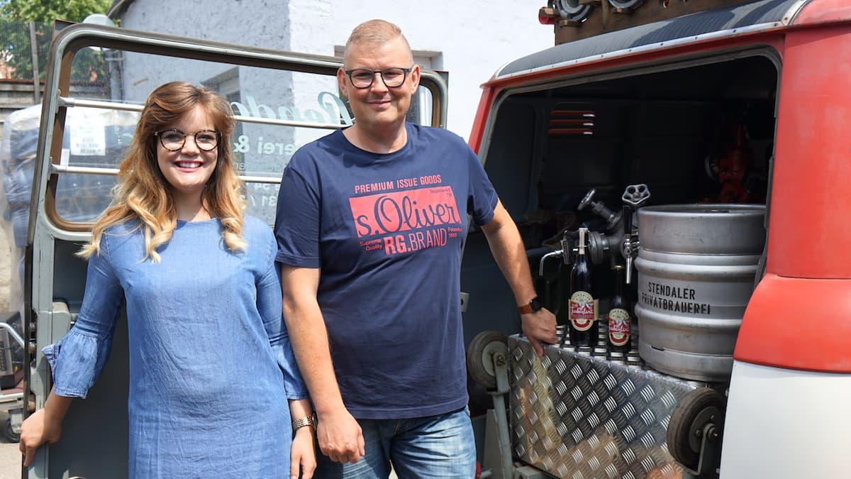 Stendal, Stendaler Privatbrauerei, Leonie Schneider und Norman Schönemann – Foto: Beate Ziehres