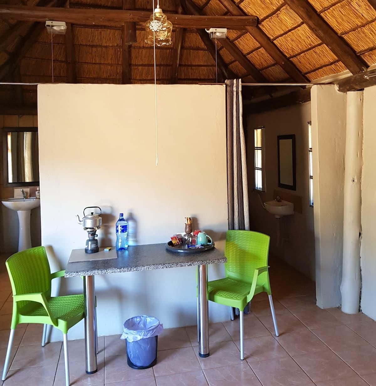 Safari in Südafrika, ChaZen privates Wildreservat: im Chalet Sable. Foto: Lena Ziehres