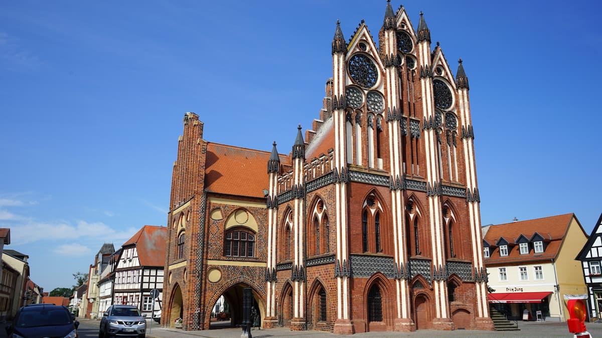 Rathaus der alten Hansestadt Tangermünde. Foto: Beate Ziehres